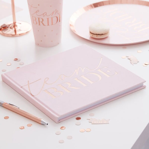 gastenboek team bride blush hen party