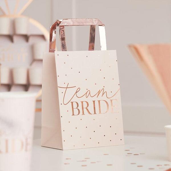 tasjes team bride blush hen party